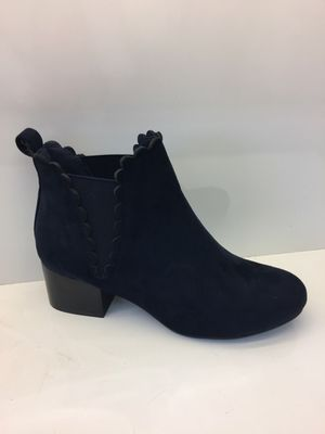 The Chlo Scallop Boot Navy