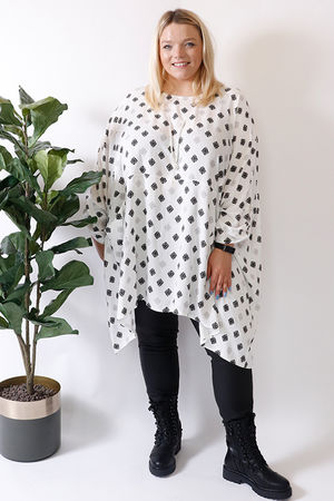 Oversized Two Pocket Print Tunic White