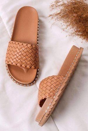 The Basket Weave Slider Tan