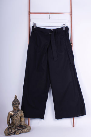 Black Culottes With D Ring Detail