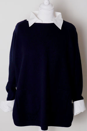 Button Side Scoopy Navy