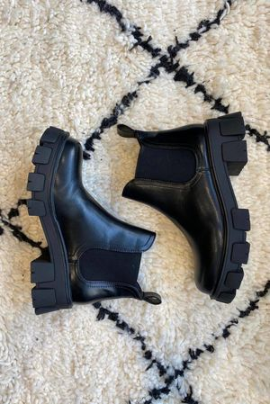 Classic Chelsea Tred Boot Black