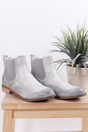 Distressed Brogue Boot Grey