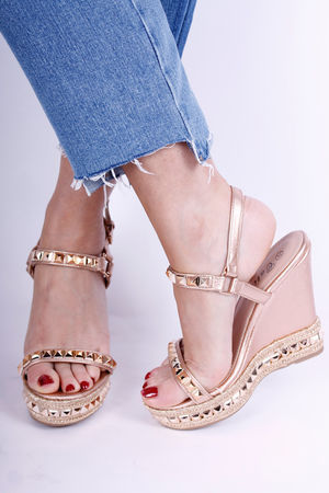 Loubie Stud Wedge in Rose