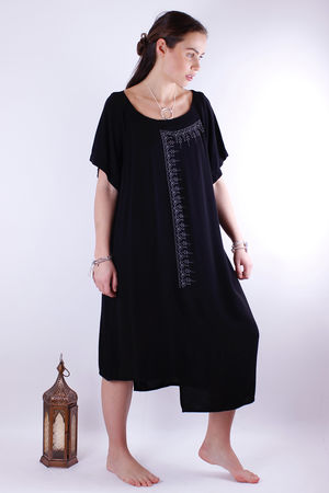 Mat. Henna Black Dress