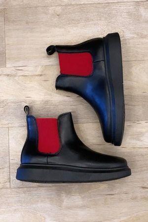 Mercer Hover Boot All Black & Red