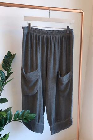 Sahara Hopsack Button Crop Pant Graphite