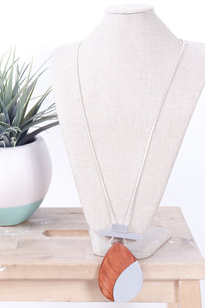 Savannah Teardrop Necklace