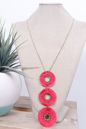 Savannah Three Drop Necklace Strawberry