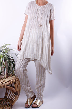 Soft B Paint Stripe Dip Hem Button Tunic