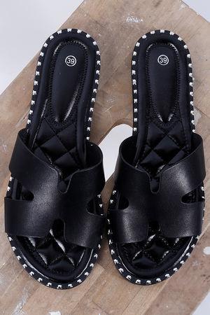 St Kitts Slider Black