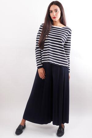 Stripe Split Back Knit Black