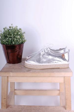 Tamaris Crackle Metallic Silver Lace Up Pump