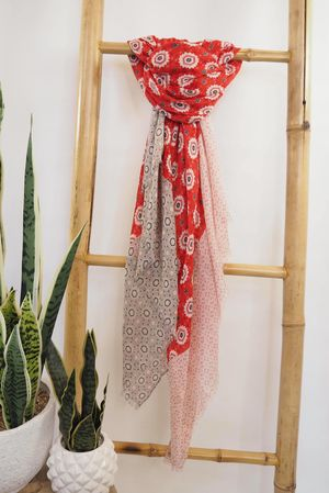 Tessellated Moroccan Scarf Reds