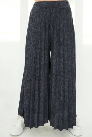 The Classic Pleat Culotte Navy