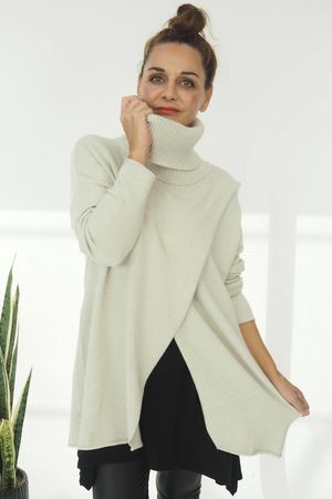 The Crossed Lines Polo Knit Stone