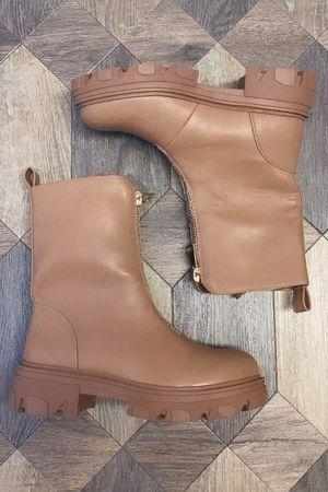 The Mega Zip Tread Boot Tan