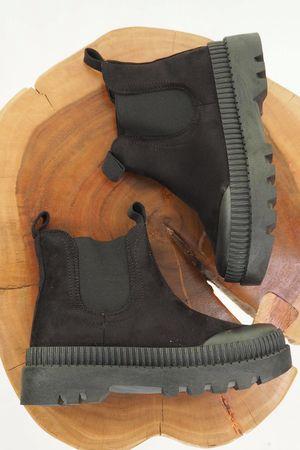 The Simon Tread Chelsea Boot Black