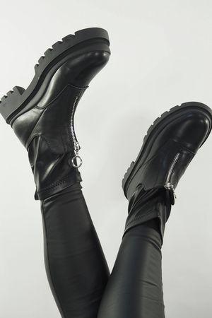 The Zippi Sock Boot Black