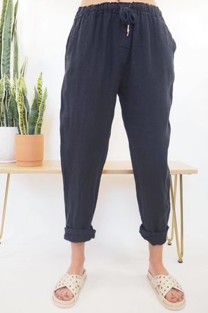 The Classic Linen 7/8 Pant Navy