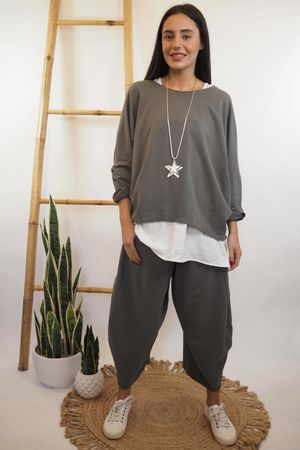 The Cocoon Relaxed Sweatshirt Graphite