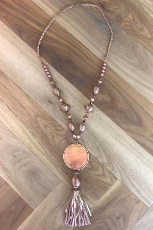 The Dubai Gong Tassel Necklace Rose