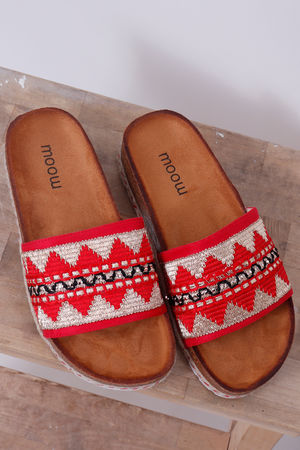 The Gobi Tribal Slider Red
