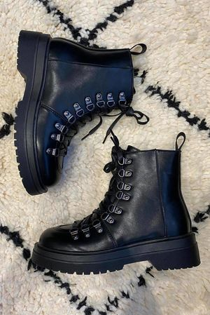 The Grenny Hiker Boot Black