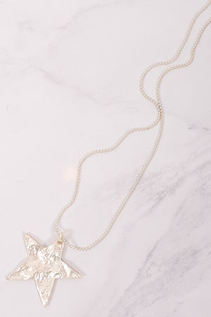 The Hammered Star Necklace Gold