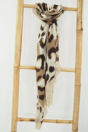 The Leopard Boarder Scarf