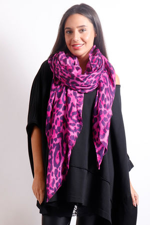 The Leopard Scarf Magenta