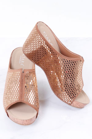 The Linaker Wedge Gold
