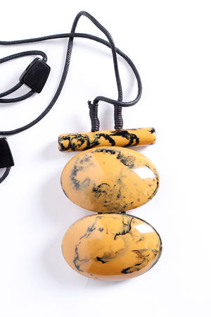 The Maka Necklace Mustard Marble