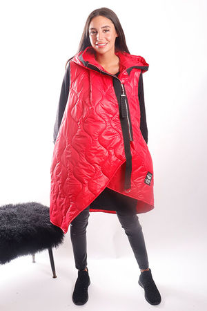 The Mercer Asymmetric Gilet Red