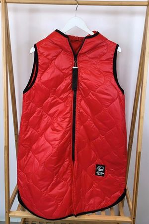 The Mercer Gilet Red