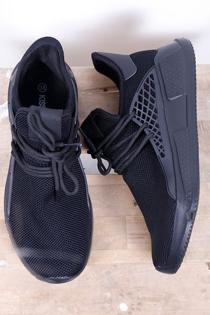 The Mercer Trainer All Black