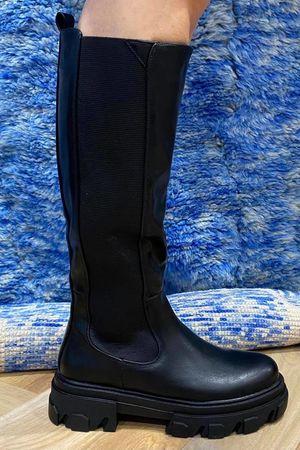 The Midi Tred Boot Black