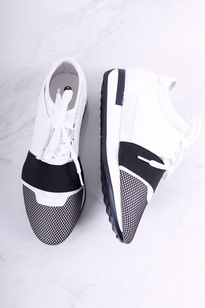 The Runner White & Black