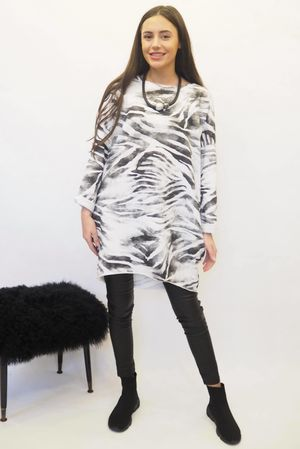 The Zebra Longline Cocoon White