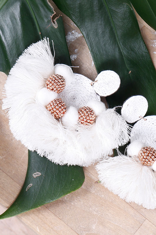 Alex-Max Fringe Earrings Cream