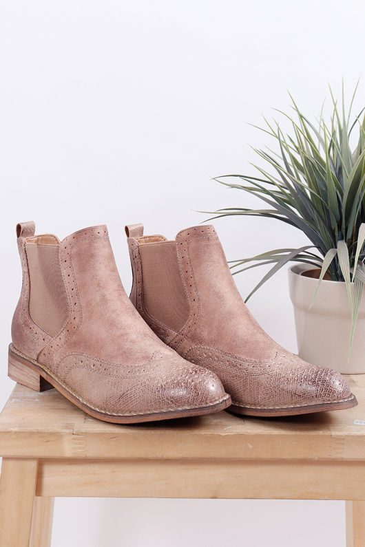 The Barcelona Boot Camel