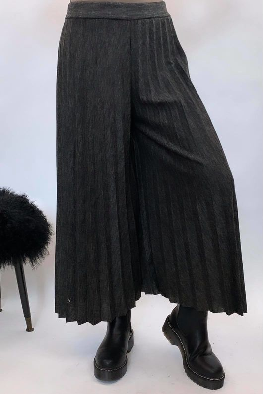 Knitted Culottes Black