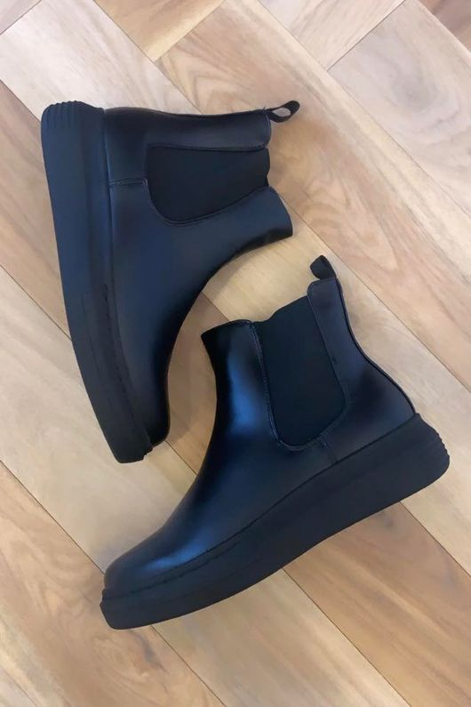 Mercer Hover Boot All Black