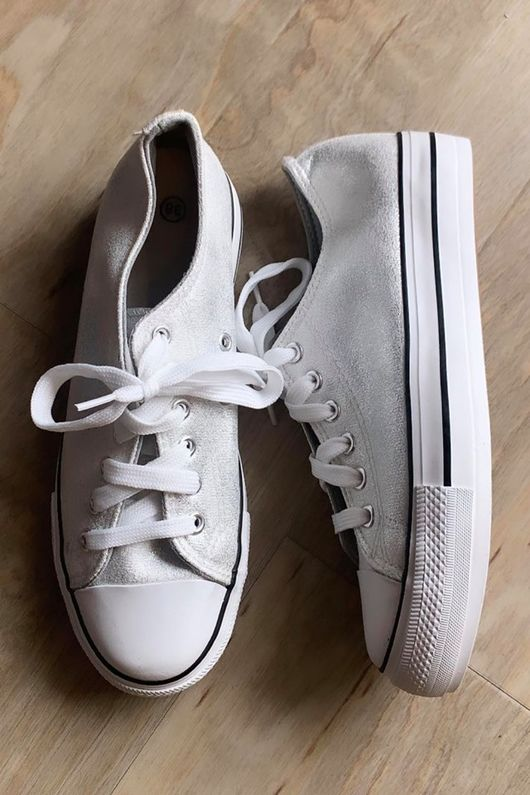 Soft Silver Low Top Pump