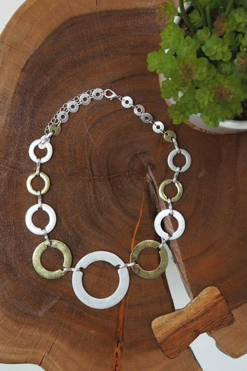 The Circular Necklace Mixed
