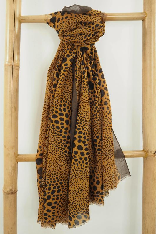 The Hirst Scarf