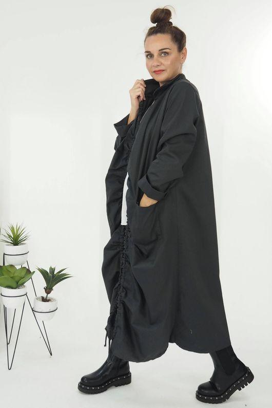 The Hitchcock Coat Graphite