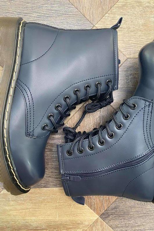 The Roxy Boot Navy