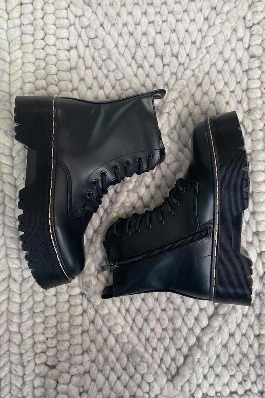 The Roxy Stack Boot Black