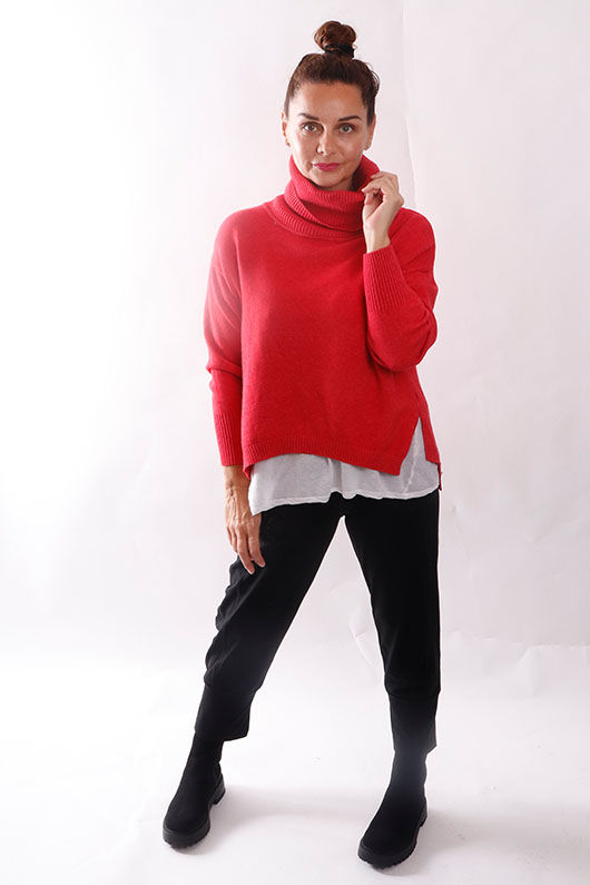 The Charli Cowl Shortie Knit Soft Red